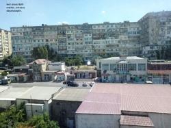 Bakı şəhəri, Suraxanı rayonu, Yeni Günəşli qəsəbəsində, 5 otaqlı köhnə tikili satılır (Elan: 193731)