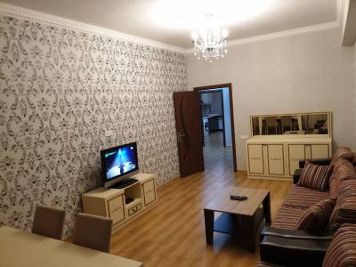 Bakı şəhəri, Nərimanov rayonunda, 3 otaqlı yeni tikili kirayə verilir (Elan: 126727)