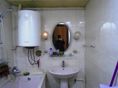 Bakı şəhəri, Yasamal rayonunda, 2 otaqlı köhnə tikili kirayə verilir (Elan: 107580)