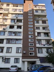 Bakı şəhəri, Nəsimi rayonu, 4-cü mikrorayon qəsəbəsində, 2 otaqlı yeni tikili satılır (Elan: 106746)