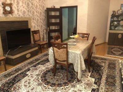Bakı şəhəri, Nizami rayonu, 8-ci kilometr qəsəbəsində, 3 otaqlı yeni tikili satılır (Elan: 109690)