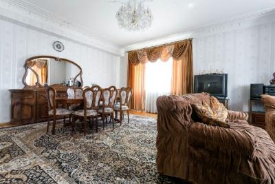 Bakı şəhəri, Yasamal rayonunda, 4 otaqlı yeni tikili kirayə verilir (Elan: 107391)