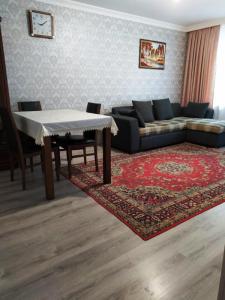 Bakı şəhəri, Yasamal rayonunda, 3 otaqlı köhnə tikili kirayə verilir (Elan: 107223)