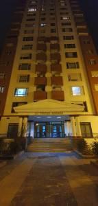 Bakı şəhəri, Yasamal rayonunda, 4 otaqlı yeni tikili kirayə verilir (Elan: 141229)