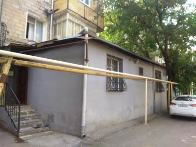 Bakı şəhəri, Yasamal rayonunda, 3 otaqlı köhnə tikili satılır (Elan: 108169)