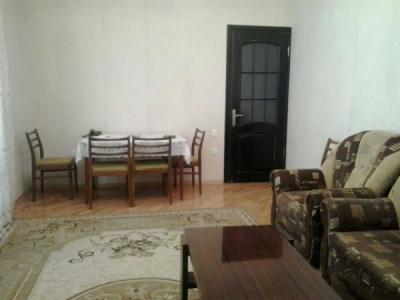 Bakı şəhəri, Binəqədi rayonu, 8-ci mikrorayon qəsəbəsində, 2 otaqlı yeni tikili satılır (Elan: 106225)