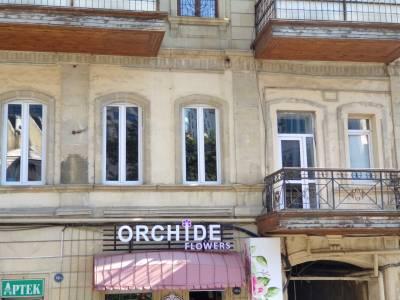 Bakı şəhəri, Səbail rayonunda, 4 otaqlı ofis kirayə verilir (Elan: 114548)