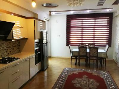 Bakı şəhəri, Nərimanov rayonunda, 3 otaqlı yeni tikili kirayə verilir (Elan: 172754)