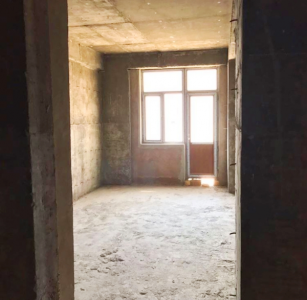 Bakı şəhəri, Nizami rayonu, 8-ci kilometr qəsəbəsində, 3 otaqlı yeni tikili satılır (Elan: 108166)