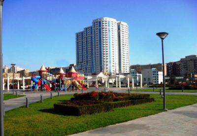 Bakı şəhəri, Yasamal rayonunda, 3 otaqlı yeni tikili kirayə verilir (Elan: 106177)