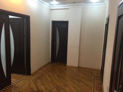 Bakı şəhəri, Yasamal rayonunda, 1 otaqlı yeni tikili kirayə verilir (Elan: 106210)