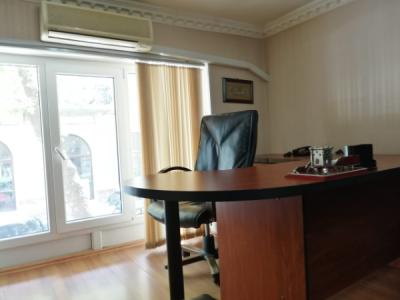 Bakı şəhəri, Nəsimi rayonunda, 1 otaqlı ofis kirayə verilir (Elan: 108154)