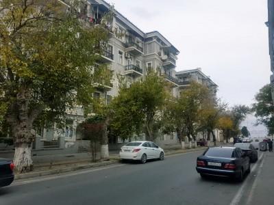 Bakı şəhəri, Səbail rayonu, Bayıl qəsəbəsində, 2 otaqlı yeni tikili kirayə verilir (Elan: 109392)