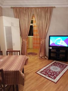 Bakı şəhəri, Yasamal rayonu, Yasamal qəsəbəsində, 1 otaqlı köhnə tikili kirayə verilir (Elan: 108295)