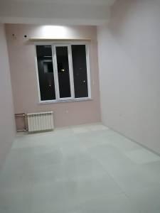 Bakı şəhəri, Binəqədi rayonu, 8-ci mikrorayon qəsəbəsində, 1 otaqlı ofis kirayə verilir (Elan: 154806)