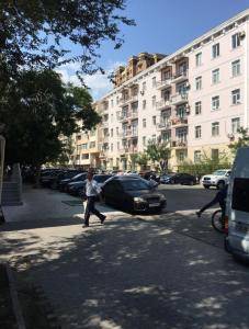 Bakı şəhəri, Nəsimi rayonunda, 3 otaqlı köhnə tikili satılır (Elan: 106770)