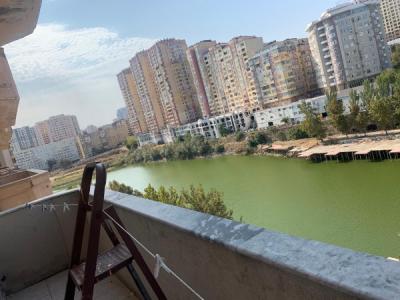 Bakı şəhəri, Yasamal rayonu, Yasamal qəsəbəsində, 4 otaqlı köhnə tikili satılır (Elan: 107062)