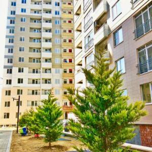Bakı şəhəri, Yasamal rayonunda, 3 otaqlı yeni tikili kirayə verilir (Elan: 107470)