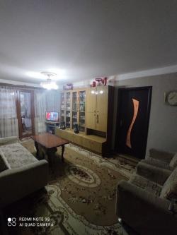Bakı şəhəri, Nizami rayonu, 8-ci kilometr qəsəbəsində, 3 otaqlı köhnə tikili satılır (Elan: 188220)