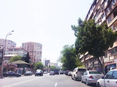 Bakı şəhəri, Binəqədi rayonu, 8-ci mikrorayon qəsəbəsində, 3 otaqlı köhnə tikili satılır (Elan: 111803)