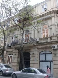 Bakı şəhəri, Səbail rayonunda, 1 otaqlı köhnə tikili kirayə verilir (Elan: 113390)