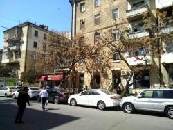 Bakı şəhəri, Yasamal rayonunda, 2 otaqlı köhnə tikili satılır (Elan: 179378)