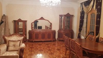 Bakı şəhəri, Nəsimi rayonunda, 3 otaqlı köhnə tikili kirayə verilir (Elan: 109515)