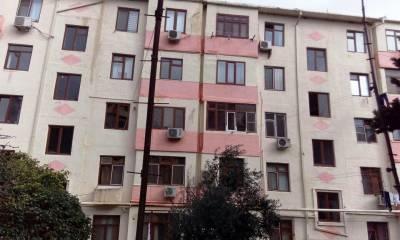 Bakı şəhəri, Nəsimi rayonunda, 2 otaqlı köhnə tikili satılır (Elan: 113384)
