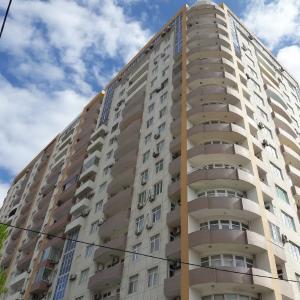 Bakı şəhəri, Nəsimi rayonunda, 2 otaqlı yeni tikili kirayə verilir (Elan: 107789)