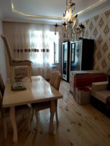 Bakı şəhəri, Binəqədi rayonu, M.Ə.Rəsulzadə qəsəbəsində, 3 otaqlı ev / villa satılır (Elan: 106777)