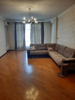 Bakı şəhəri, Nəsimi rayonunda, 3 otaqlı yeni tikili kirayə verilir (Elan: 202165)