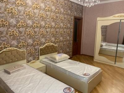 Bakı şəhəri, Nəsimi rayonunda, 4 otaqlı yeni tikili kirayə verilir (Elan: 158657)