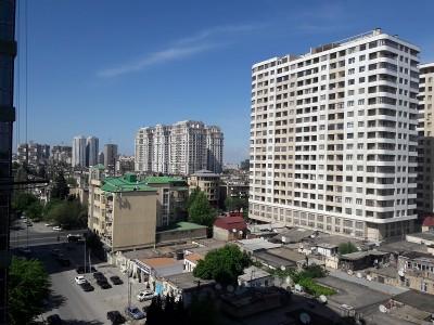 Bakı şəhəri, Yasamal rayonunda, 4 otaqlı köhnə tikili satılır (Elan: 108619)