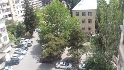 Bakı şəhəri, Binəqədi rayonu, 8-ci mikrorayon qəsəbəsində, 1 otaqlı köhnə tikili satılır (Elan: 108530)