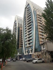 Bakı şəhəri, Yasamal rayonunda, 2 otaqlı yeni tikili kirayə verilir (Elan: 107861)