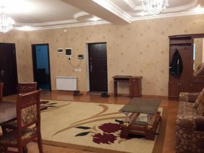 Bakı şəhəri, Xətai rayonunda, 4 otaqlı yeni tikili kirayə verilir (Elan: 109965)