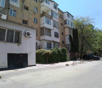 Bakı şəhəri, Yasamal rayonunda, 2 otaqlı köhnə tikili satılır (Elan: 107150)