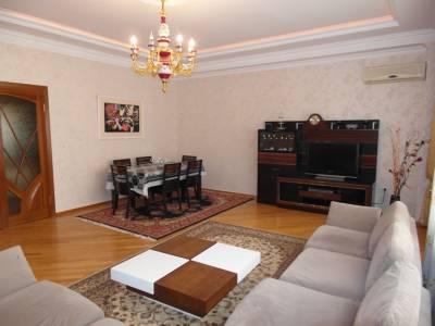 Bakı şəhəri, Nəsimi rayonunda, 3 otaqlı yeni tikili kirayə verilir (Elan: 158240)