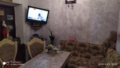 Bakı şəhəri, Binəqədi rayonu, 7-ci mikrorayon qəsəbəsində, 3 otaqlı köhnə tikili satılır (Elan: 107405)
