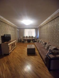Bakı şəhəri, Yasamal rayonunda, 3 otaqlı yeni tikili kirayə verilir (Elan: 182166)