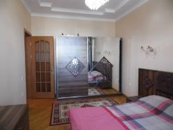 Bakı şəhəri, Yasamal rayonunda, 4 otaqlı yeni tikili kirayə verilir (Elan: 189833)