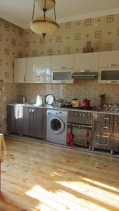 Bakı şəhəri, Sabunçu rayonu, Bakıxanov qəsəbəsində, 5 otaqlı ev / villa satılır (Elan: 107667)