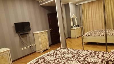 Bakı şəhəri, Nəsimi rayonunda, 3 otaqlı yeni tikili kirayə verilir (Elan: 112292)
