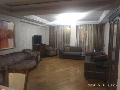 Bakı şəhəri, Nəsimi rayonunda, 3 otaqlı köhnə tikili satılır (Elan: 160331)