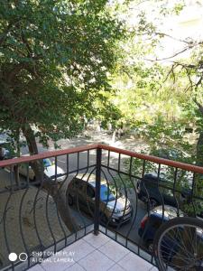 Bakı şəhəri, Nəsimi rayonunda, 3 otaqlı köhnə tikili kirayə verilir (Elan: 106451)
