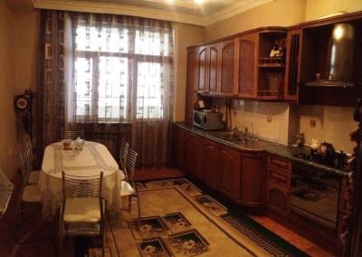 Bakı şəhəri, Nərimanov rayonunda, 3 otaqlı yeni tikili kirayə verilir (Elan: 109453)