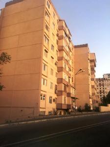 Bakı şəhəri, Yasamal rayonunda, 3 otaqlı köhnə tikili satılır (Elan: 107434)