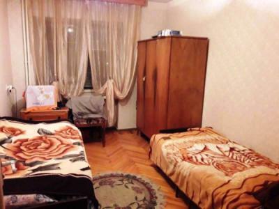 Bakı şəhəri, Yasamal rayonunda, 2 otaqlı köhnə tikili satılır (Elan: 108223)