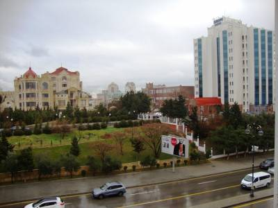 Bakı şəhəri, Yasamal rayonunda, 2 otaqlı köhnə tikili kirayə verilir (Elan: 155775)