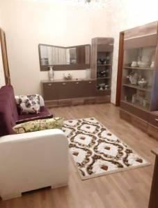 Bakı şəhəri, Yasamal rayonunda, 2 otaqlı köhnə tikili satılır (Elan: 114457)